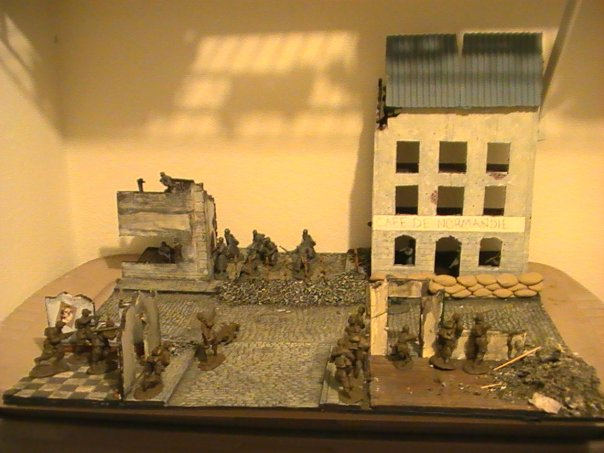 Ideas For Ww2 Airplane Dioramas http://yellowairplane.com/Exhibits/Model_Airplanes_Dioramas/1-How_to_Make_WW2_Dioramas_Models_Displays.html